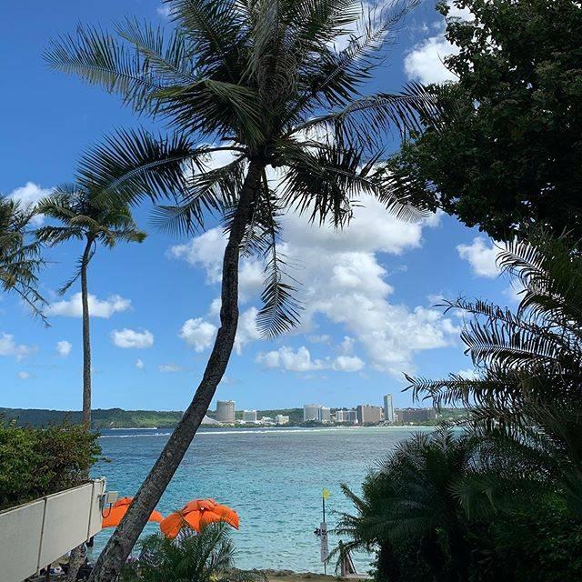 """Guam BEACHBOYS on Instagram: """"最近口コミ?インスタ?お客さんが増えてきていて確かな手答え感じてます😊🙌💕人をハッピーにできるこの仕事、笑顔にできる職場、本当に幸せでありがたいですね🎁🥂 ・ ・ ・ みなさんの笑顔が活力です😍🇬🇺本当にありがとうございます😊 ・ ・ ・…"""" (771338)"""