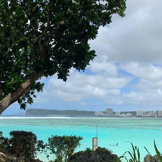 """Guam BEACHBOYS on Instagram: """"時々ふと思います😋❤️いつまでグアムにいられて、次はどこの国に住むのかな?って🤔🌺 ・ ・ 人生は一度だから思いっきり楽しみたい😋❤️ ・ ・ ・…"""" (771364)"""