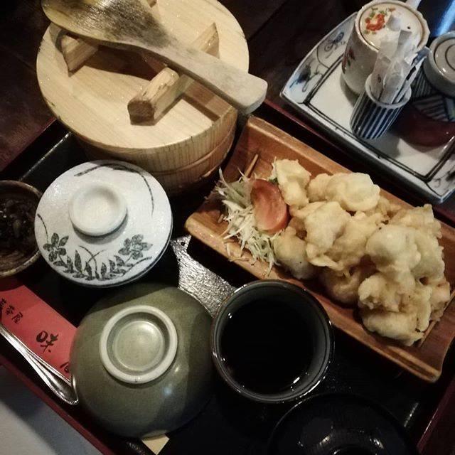 """yuken-oita,472 on Instagram: """"別府市にあります❗味蔵さんにやって参りました。 ランチ時だった為お客様は並んでいました❗ やはり一押しはとり天定食です。 本当にまた食べたくなるとり天定食です😆🎵🎵 #大分県#別府市#味蔵#とり天定食#大分食べ歩き #別府グルメ #別府ランチ…"""" (771677)"""