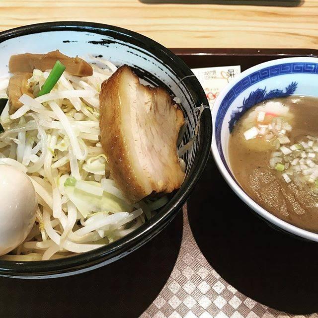 WはInstagramを利用しています:「某熊本つけ麺🍜最近はラーメンよりつけ麺が好きかも💕#熊本 #つけ麺 #ラーメン #太麺 #煮卵」 (772586)