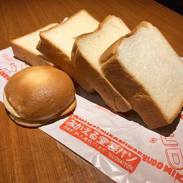"""bar camille カミーユ on Instagram: """"カミーユにはチーズトースト、はちみつキャラメルトースト、はちみつシナモントーストなどトーストメニューも充実しております。 そのトーストは昭和元年から創業の西田の名店「ミカエル堂」さんの厚切り食パンを使わせて頂いてます!…"""" (773965)"""