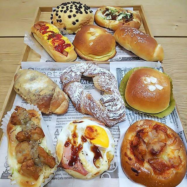 """maki__an.s__0920 on Instagram: """"パンって…選ぶのたのしい♪#朝はパン#朝ごぱん#メリチェル#トワベール#かごしま#Kagoshima#鹿児島#シェアカゴ#鹿児島パン屋#パン屋巡り #小さなしあわせ"""" (774065)"""