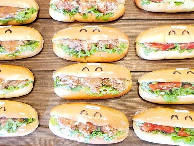 "Karu coppe on Instagram: ""一番下のからあげのお茶目感が可愛くて好き🥺💕 というか、みんな好き!!!!₍₍ ◝( ˙ ꒳ ˙ )◟ ⁾⁾ #鹿児島 #日置市 #伊集院 #パン #パン屋さん#鹿児島パン屋 #グルメ#鹿児島グルメ #bakery #bread #コッペパン #コッペパン専門店…"" (774073)"