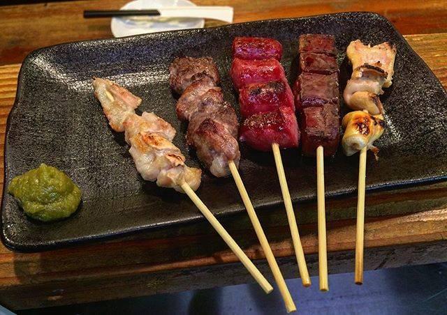 """馬鹿うま立川南口店 on Instagram: """".馬肉の串盛り合わせ 690円右から<ハツモト・ハツ・馬肉のウィンナー・もも・ホルモン>馬肉の串焼きは150円からご用意しております!#馬鹿うま#立川南口 #馬肉#馬肉の串焼き#串焼き#美味い"""" (774329)"""