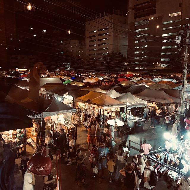"Katherine on Instagram: ""Back to New Rot Fai market, still the same crowds😱#rotfaimarket #bangkoknightlife #rachadanightmarket"" (774787)"