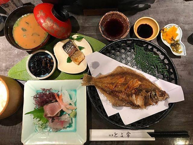 "Charoen Sae-Choo on Instagram: ""มื้อเย็นของวันนี้... แบบ ญี่ปุ๊นนนนนน ญี่ปุ่น!! 🤤ร้านดังแห่ง เบ็ปปุ #Beppu นางมี เมนู สำหรับ คนไทย ด้วย... อ่านง่าย / ไม่ต้องเดา 😂"" (776181)"