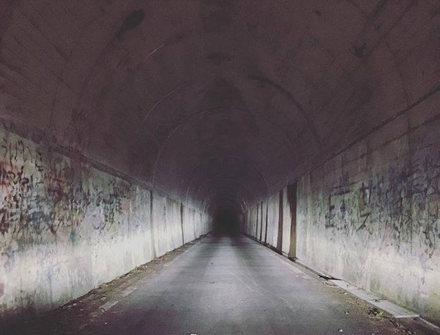 "kiyo on Instagram: ""今宵は久々に心スポトンネル出た瞬間車のライト消えるのはやばめ。#心霊スポット #滝畑第三トンネル"" (777454)"
