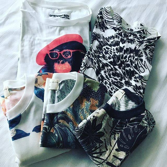 """Shinichiro Watanabe on Instagram: """"買い出し第一弾!夏に遊べるTシャツを!他にもチェックしている福がいろいろと!明日は大きな市場にて、価格交渉を頑張り、仕入れてまいります!! #shinstyle #タイtシャツ #tシャツ"""" (777689)"""