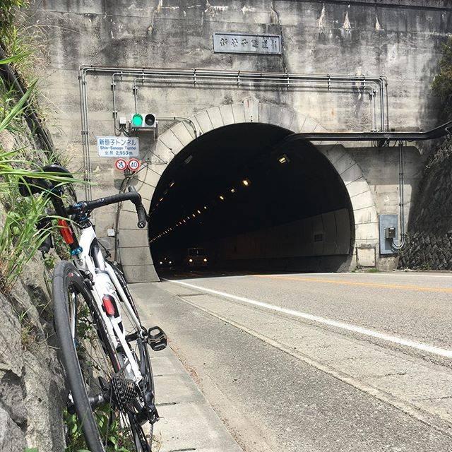 "maashika on Instagram: ""#国道20号八王子から長野まで #ロードバイク #ヒルクライム #ロングライド #大垂水峠 #新笹子トンネル #東京 #神奈川 #山梨 #長野 #富士山 #roadbike #hillclimb #trek #cycling #tokyo #yamanashi #mtfuji"" (778298)"