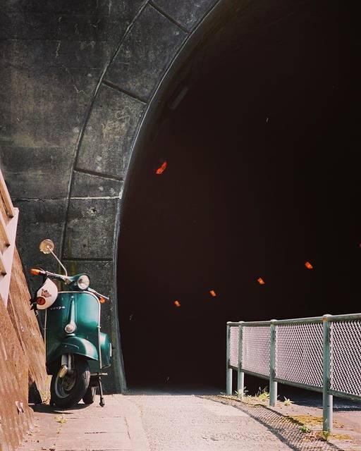 """さかな博士 on Instagram: """"Haunted tunnel. 🛵💨  👻💨 子どもの頃一度だけ通ったお化けトンネル #piaggio #vespa #scooter #japan #haunted #olympus #olympusom2 #film…"""" (780492)"""