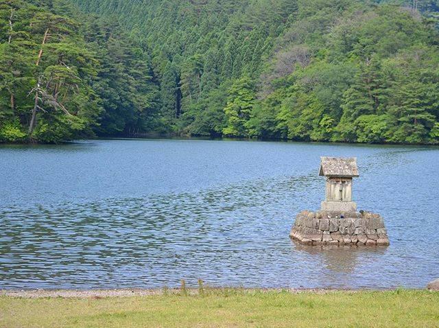 "#Sho on Instagram: ""『大蛇』 . . . #赤松の池  #伝説  #大山  #鳥取県  #自然  #写真好きな人と繋がりたい  #自然が好きな人と繋がりたい  #d3100  #python  #folklore  #japan  #tottori  #daisen  #nature…"" (782738)"