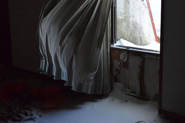 "Hiroki Takano (つきあかり) on Instagram: "". 。 。 大好きな季節がやって来る。 。 素敵な週末を(*´д`*) 。 髪切りたい。 。 。 。 #休日は廃墟へ行こう。 。 . #ruin #ruins #japan_urbex #urbex #過去写真 #撮って出し #廃墟 #廃キング #廃ホテル  #haikyo…"" (783821)"