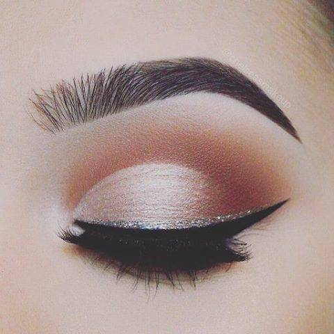"Arpita Wadhva 💟 on Instagram: ""Red lipstick aside, I firmly believe that less is more in terms of make-up. Emilia Wickstead  #eyelash #skin #mascara #eyeshadow #eyebrow…"" (784212)"