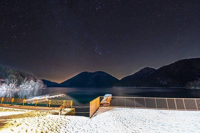 "@mitsu.k1 on Instagram: "". . . 湖面が凍る前の然別湖✨ 今は凍ってるかな🤔 . . フォトショのぼかしが機能しなくて 星を大きく出来ない😱 . . 📷 sony α7iii SIGMA 14mm F1.8 DG HSM . . 2019/11/22 北海道 鹿追町 . . . . . . .…"" (789331)"