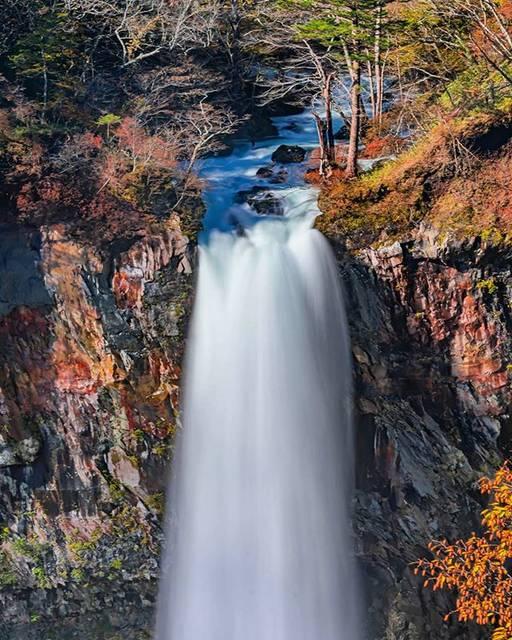 """🆃🆂🆄🅼🅸🆉🅾 on Instagram: """"栃木県日光市・華厳の滝 . 華厳の滝 無料展望台から📷 通常の15倍の水量は、ただただ圧巻の一言😮 . 華厳の滝は日本三名爆の一つ。 あとの二つは「那智の滝」と「袋田の滝」 「袋田の滝」は行ってみたいと思いながらまだなので近いうちに是非行ってみたいと思っています😊 . .…"""" (789409)"""