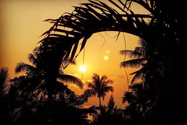"Oasis Koh Chang on Instagram: ""Sunset time 🌅 yesterday 📸😎 . . . . . . . #kohchang #khochang #lonelybeachkohchang #lonelybeach #thaisunset #thailand #thaiislands…"" (790417)"