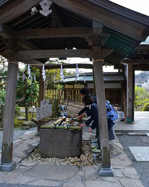 """nattsu@@) on Instagram: """"高校受験なのかな~ お詣りに来ていた中学生 合格します様に❗ #カメラ散歩 #荏柄天神 #散歩道 #夕方 #鎌倉 #Kamakura #Nikon"""" (790861)"""