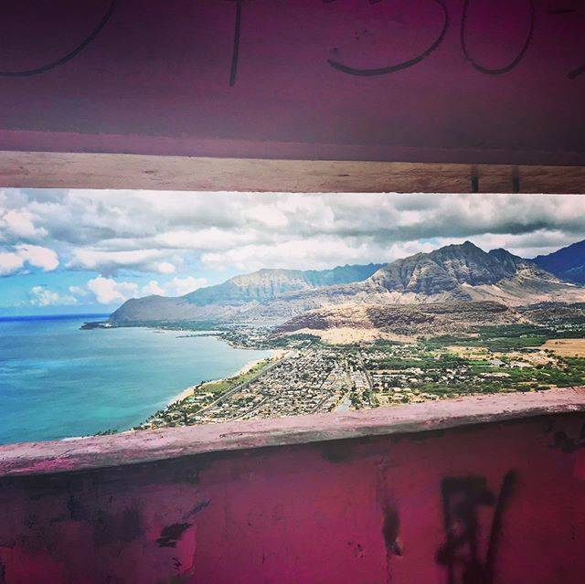 "aya on Instagram: "". . . ❤︎hawaii ピンクピルボックスからの青い海、最高❤︎ #oahu #honolulu #hawaii #hawaiistagram #hawaiitrip #nanakuli #nanakulibeachpark #pinkpillbox #pillbox…"" (791201)"