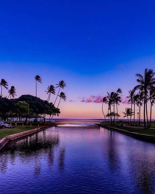 "Koji on Instagram: "".Twilight Sunset.#昼と夜のあいだ大好きなこの時間ここから見る景色が好きなんです..#例の島 #hawaii #oahu #kahala #waialaebeachpark #ハワイ #オアフ #カハラ"" (791204)"