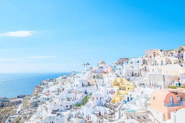 "Yuri on Instagram: ""ずっと行きたかったサントリーニ。 定番の青のブルードームよりも、こっちの景色がお気に入り。 . . . #camel__trip . . #ギリシャ #ギリシャ旅行 #ファインダー越しの私の世界 #フォトジェニック #写真好きな人と繋がりたい #写真撮ってる人と繋がりたい…"" (791325)"