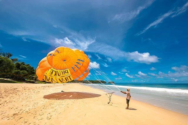"""Rena on Instagram: """"~Karon Beach🏖️〜 . 透明度が高く、落ち着いたビーチが魅力の「カロンビーチ」のご紹介です! . パトンビーチのすぐお隣りにありますが、賑やかなパトンビーチに比べるととっても静かで、ビーチでのんびりと過ごす事が出来るビーチです! .…"""" (791330)"""
