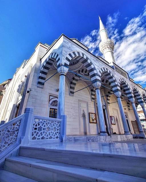 """koma on Instagram: """"所用でトルコへ✈ 青空に白いモスクが映え綺麗でした💙 ···というのは冗談で、代々木上原にあるイスラム教の寺院で、トルコ文化センターも併設され、見学可能ということで行ってみました🙇 🌏Location JAPAN: #東京ジャーミイ #Tokyo 📷2020.1.31 .…"""" (791464)"""