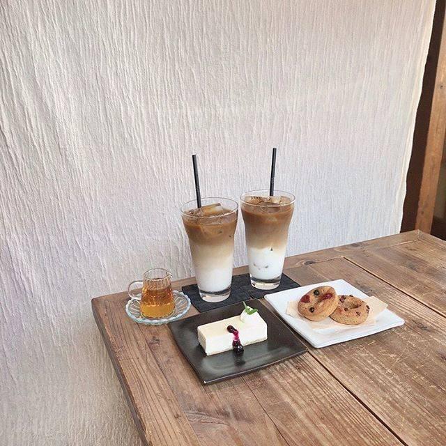 """nao on Instagram: """"  熱海旅行一発目のカフェ 𓂅  𓊱 アイスカフェオレ 𓊱 基地のリング 𓊱 レアチーズケーキ  熱海に行ったら是非 @__cafekichi さんへ行ってみてください ☕️  #cafekichi #熱海カフェ #熱海旅行 #熱海グルメ #熱海温泉…"""" (791672)"""
