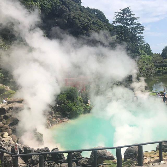"Yoshi👀😆😍 on Instagram: ""Sea hell in Beppu Onsen.🇯🇵🇯🇵🇯🇵 It is the source of natural spring.  Cobalt blue color.❤️❤️❤️ It is very beautiful.  Eggs steamed from this…"" (792501)"