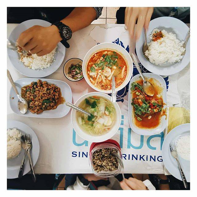 "JAa Kornprasert on Instagram: ""..#ต้มยำกุ้ง #ยำปลากระป๋อง #ต้มจืดเต้าหู้ #กะเพราหมูสับ#อาหารตามสั่ง#cheateveryday #แหลกทุกวัน#bychompuk"" (792509)"