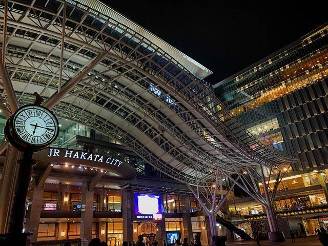 """Takesato Kitahara on Instagram: """"イルミネーションが終わっても映えるね🚶 . . #福岡 #JR博多シティ #博多駅  #Fukuoka #Japan #coolfukuoka #urbanfukuoka #downtownfukuoka #tenjin #solariaplaza #fukuokapics…"""" (793359)"""