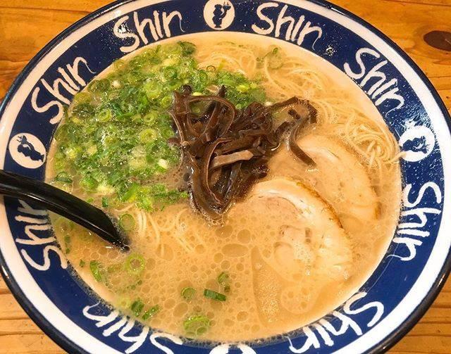"""マリ-ドトゥラ-メンズ on Instagram: """"° ありがたみマシマシ🥺🙏💗 . 2019年4月5日 #100 . 記念すべき2019年100杯目は天神の有名店、 Shin Shinさんで🙋🏻♀️💮(冷静にラーメン食い過ぎ) この日は健康診断のため早朝から何も食べられず 16時ごろにやっとラーメンにありつけたので、…"""" (793369)"""