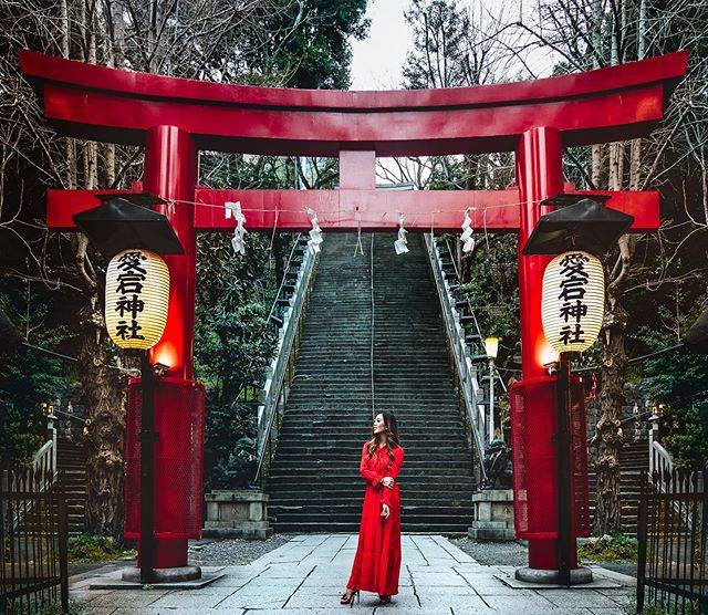 "Andaz Tokyo アンダーズ 東京 on Instagram: ""In the first few days of the new year, join in the ancient tradition of Hatsumode as you make your way to the local shrine to pray for a…"" (793585)"