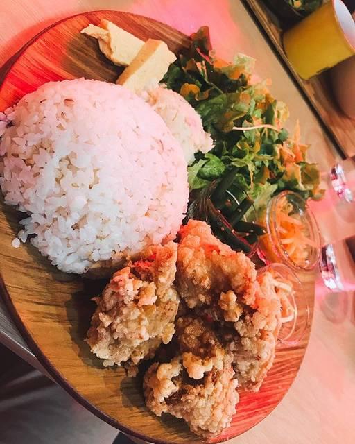 "DaIsUkE on Instagram: ""、 、 、 9連休最終日に#大須 へ行った時のランチ。 #大須食堂meek で#からあげプレート 。 、 #大須ランチ ならココで決まっとる✌️ 、 、 、 #大須グルメ #大須商店街…"" (794260)"