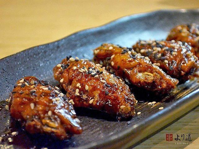 "Yorimichi Izakaya on Instagram: ""[NAGOYA TEBASAKI] Asinha de frango frito caramelizado com tare. • #nagoyatebasaki #tebasaki #手羽先 #名古屋手羽先 #frango #chicken #caramelizado…"" (794399)"