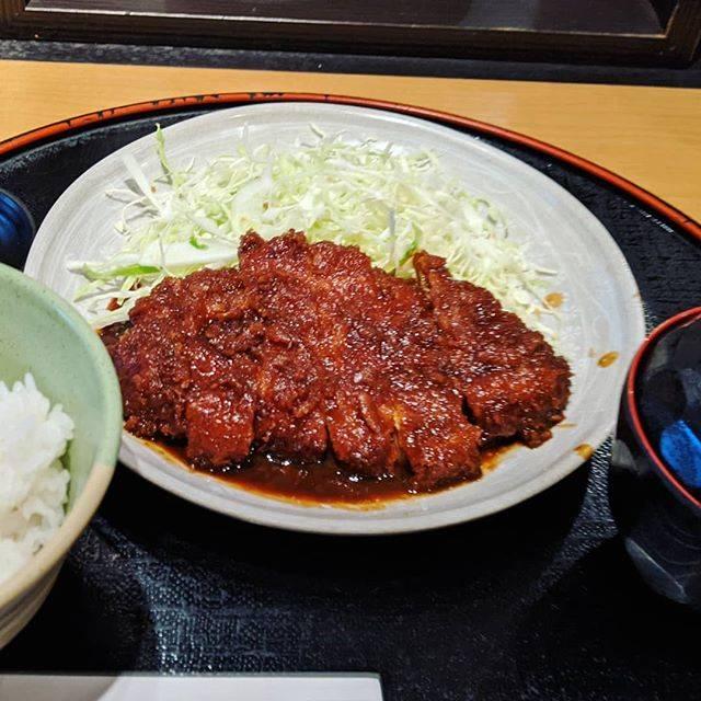 """kumasan on Instagram: """"本日のお昼ごはん。 久々の味噌カツ定食。 やっぱりご飯が進みます。😆 味噌カツにはカラシですね。 キャベツは味噌ダレに絡めて、最後まで美味しく頂きました。😄 #本日のお昼ごはん  #本日のランチ  #本日のおすすめ  #味噌カツ最高  #味噌カツランチ  #味噌カツ定食…"""" (794400)"""
