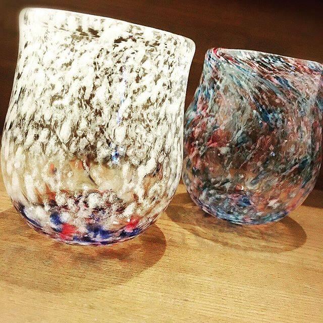"""Emma on Instagram: """"Hand made glassesLovely glasses 💕Glass blowing #handmadeglasses #軽井沢ガラス工房 #吹きガラス作り #glassblowing"""" (794518)"""