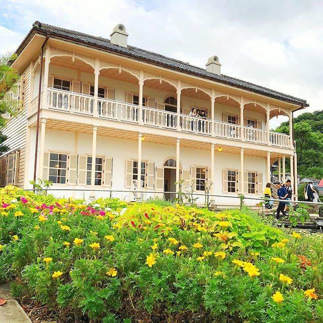 """マツシマ✈️/夫婦旅行情報 on Instagram: """"イギリス人商人の住んでいた洋風建築を移築した庭園。世界遺産の構成要素にもなっている旧グラバー庭園も見ることができます。 行きも帰りも坂がキツくてつらかった… ─────── 🌏#日本 #長崎 #japan #nagasaki 📍#グラバー園 #glovergarden…"""" (801487)"""