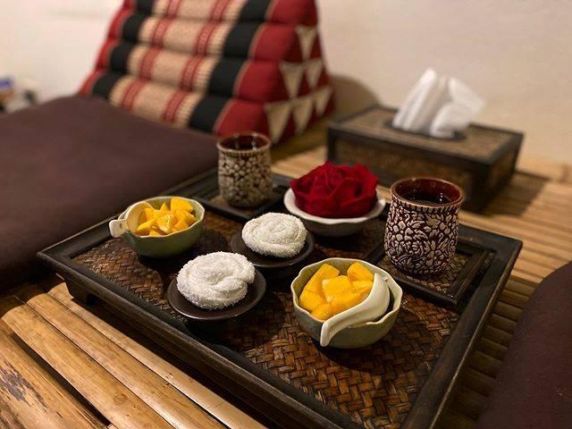 "🌏bella_jisu chung on Instagram: ""마사지도 시원하고 쾌적하고 망고밥도 맛있었다. 언니, 망고밥 더달라고해봐 Good massage and delicious mangosticky rice.🤓 #massage #tailand #mangostickyrice #taimassage…"" (806248)"