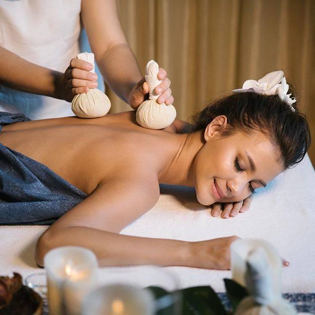 """SenseGarden_massage&spa on Instagram: """"ประคบร้อนมีประโยชน์อย่างไร ?  ประคบร้อนจะช่วยให้การไหลเวียนโลหิตบริเวณที่ประคบดีขึ้น ซึ่งสามารถช่วยลดอาการปวด…"""" (806249)"""