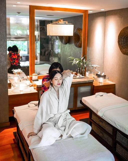 """𝘈𝘪𝘬𝘰 𝘕𝘢𝘳𝘪𝘴𝘴𝘢𝘳𝘢 𝘠𝘦𝘶𝘯𝘨 楊馥甄 on Instagram: """"There are many spa places in Thailand. The best spa experience I've had in Bangkok so far is the Balinese-Thai Yoga Massage…"""" (806253)"""