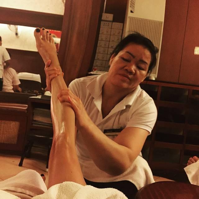 "𝐑𝐎𝐗𝐀𝐍𝐄 on Instagram: ""Last Night In Bangkok :  Best Foot & Legs Massage I really Ever had 👣👣👣👣👣 #NoFilter #massage #footmassage #legassage #bestmassageever…"" (806258)"