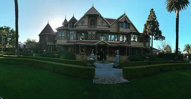 """ℝ𝕠𝕞𝕒𝕚𝕟 𝕍𝕖𝕣𝕘𝕖𝕣 on Instagram: """"Sunday afternoon chilling with Sarah Winchester & a bunch of other ghosts #winchestermysteryhouse #sanjose #california #13"""" (807415)"""