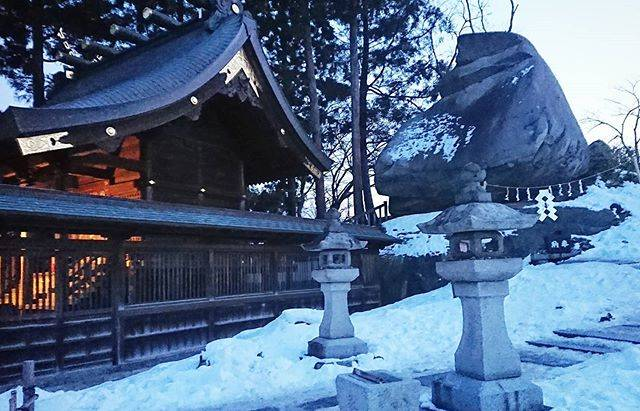 "Aya on Instagram: ""* 岩手県 盛岡市 🌸桜山神社の 烏帽子岩( エボシイワ )※右側 Eboishi rock (  the right side ) in Sakurayama shrine  in Morioka city , Iwate prefecture 🇯🇵 Japan.…"" (808887)"
