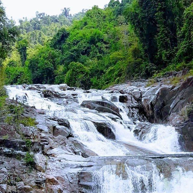 "VAlex on Instagram: ""Водопад и эко парк Янг Бей. . Waterfall and eco park Yang Bay. . #yangbay #yangbaypark #parkyangbay #янгбей #янгбэй #янгбэйпарк #янгбэй🌴…"" (809978)"