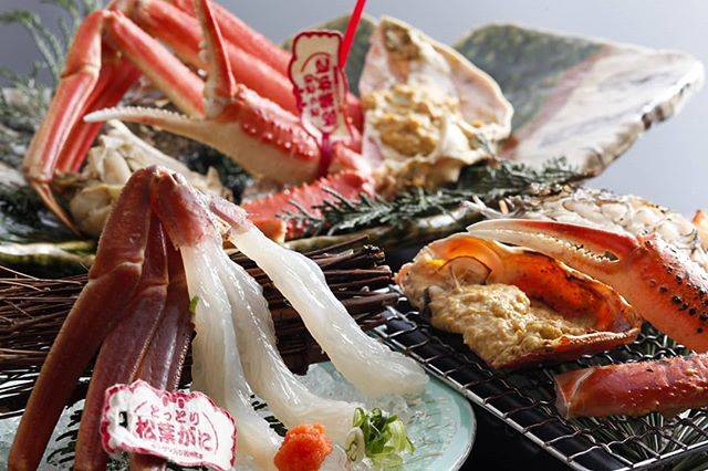 "Turuya  Kaike on Instagram: ""こんにちは。皆生つるやです。  季節の別注料理をご紹介します。  #境港 水揚げ! #松葉ガニ 料理三種  ブランドの証、タグ付き#松葉蟹 。 蟹本来の旨味やプリっとした食感を十二分にご堪能いただけます。…"" (814408)"