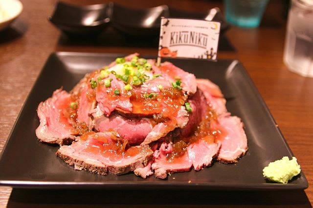 """naru.okinawa on Instagram: """"KikuNiku の ローストビーフ丼  #okinawa #nahacity #steak  #okinawalunch #okinawadinner  #okinawaphotclub #canon #canoneoskiss7 #sony #sonynex5r…"""" (822313)"""
