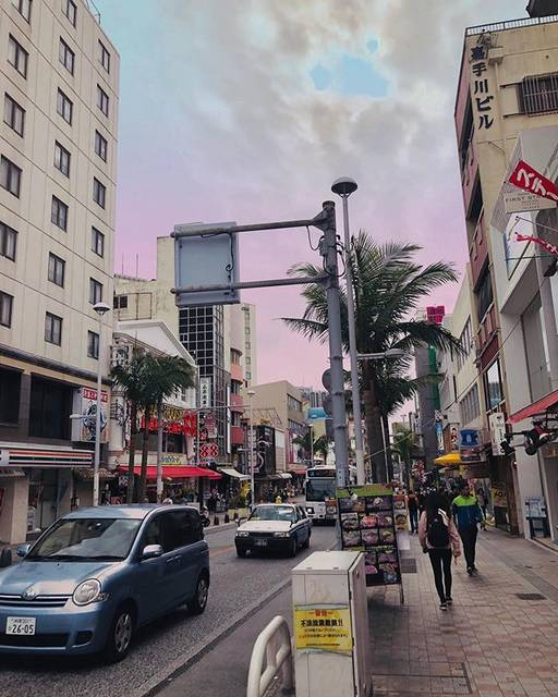 """クワハラマリン on Instagram: """"#国際通り#沖縄"""" (822872)"""