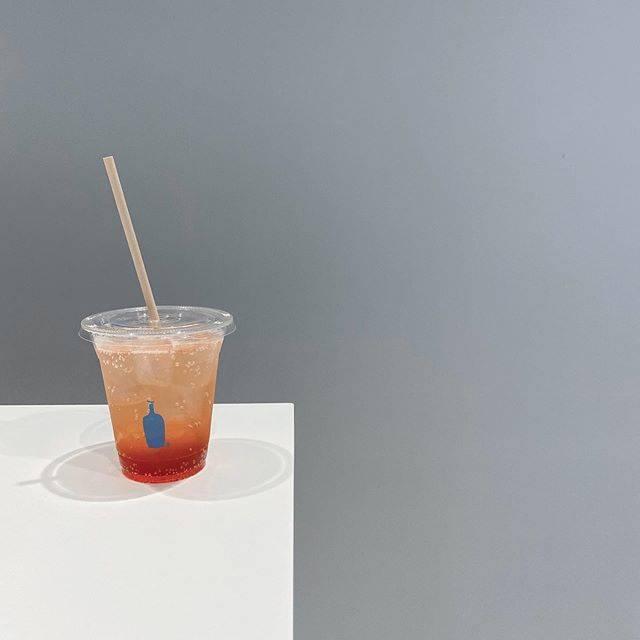"H i r o t a k a on Instagram: "".. blue bottle coffee のストロベリーフィズ?確かそんな感じのやつだった気がする..#ブルーボトルコーヒー神戸 #bluebottlecoffeekobe"" (823485)"