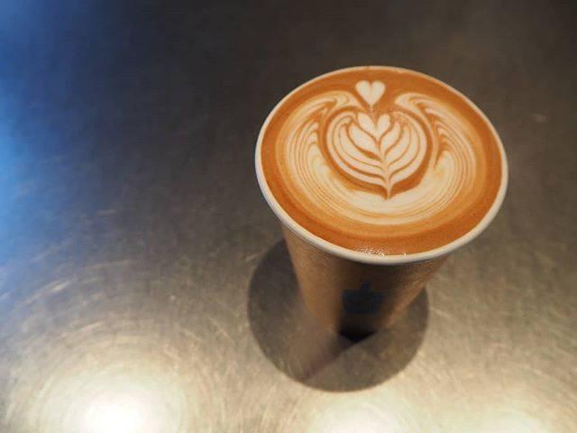 """@ayk_____z on Instagram: """". #bluebottlecoffee#bluebottlecoffeejapan #ブルーボトルコーヒー #bluebottlecoffeekyoto #ブルーボトルコーヒー京都 #ブルーボトルコーヒー京都六角 #kyoto#京都#블루보틀#커피…"""" (823489)"""