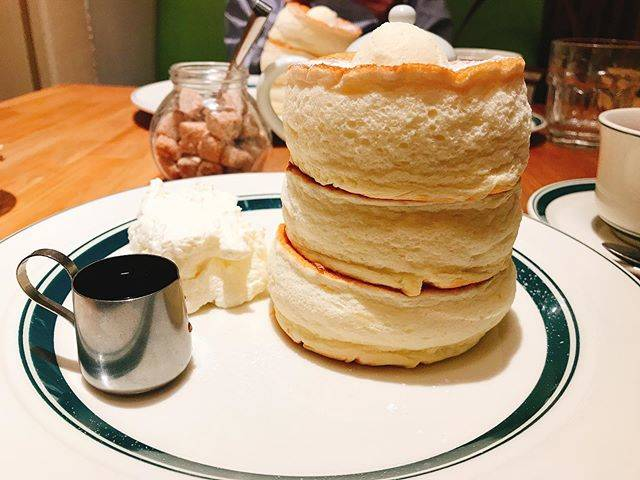 "@cocaringonohoppe on Instagram: ""gramのPremium Pancake  gram特製 ふるしゅわ食感のパンケーキ🥞 【数量限定】 11:00/15:00/18:00 各時間、20食限定のメニュー!! #gram #グラム #グラムパンケーキ #パンケーキ #ぱんけーき ぱんけーき #pancake #🥞…"" (824466)"